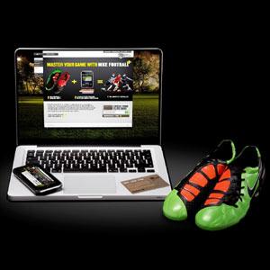 Cristiano Ronaldo y Fernando Torres revelan sus trucos con el balón en el nuevo spot de Nike