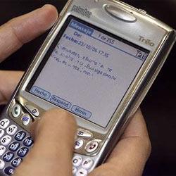 Los adolescentes prefieren los SMS a las redes sociales a la hora de comunicarse