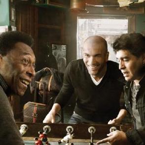 Annie Leibovitz capta a Maradona, Pelé y Zidane en un anuncio para Louis Vuitton