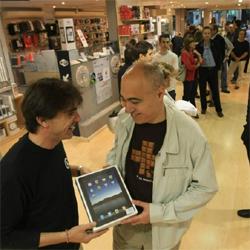 Las tiendas esperan agotar el iPad en su primer día de venta en España