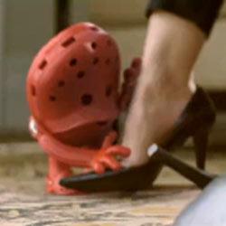 Los zapatos Crocs cobran vida en un nuevo spot