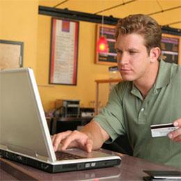 Los hombres realizan más compras online que las mujeres