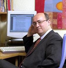 """""""Si alguien quiere perder dinero, lo ideal es que venda por internet"""", G. Costa (ESADE)"""