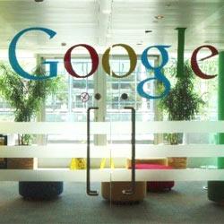 Los jefes otorgan la medalla de oro en gestión recursos humanos a Google