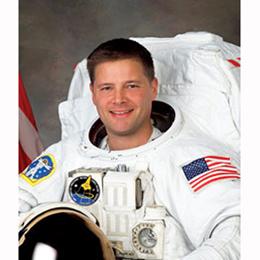 Un astronauta entra en Foursquare desde el espacio