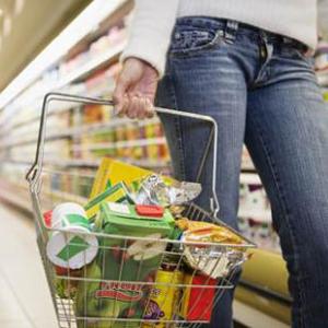 Prescindir del acondicionador, coger cesta en lugar de carro o cambiar de marca: nuevos hábitos de compra