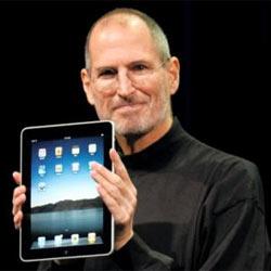 Steve Jobs desmiente los rumores sobre el lanzamiento de un hermano pequeño del iPad