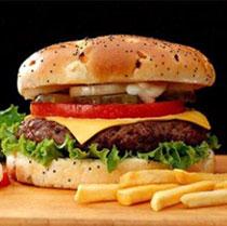 Los restaurantes de comida rápida invierten cada vez más en dirigirse al público infantil