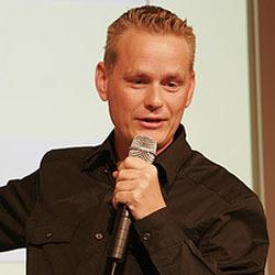 """Martin Lindstrom: """"El miedo será la próxima arma para las marcas"""""""
