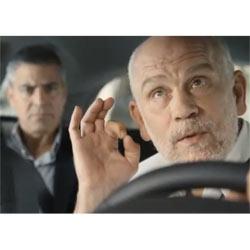 Nespresso vuelve a sembrar la discordia entre Clooney y Malkovich en un nuevo spot publicitario