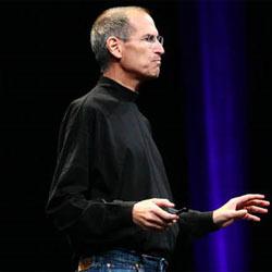 Steve Jobs sigue manejando los hilos de Apple desde su lecho de enfermo