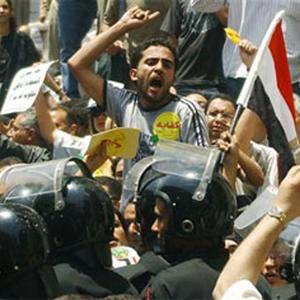 WikiLeaks y las revueltas de Egipto demuestran cómo las crisis dan pie a la innovación