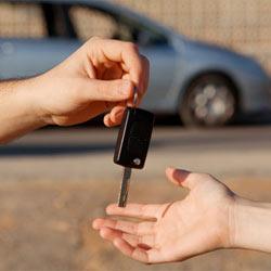 Las compañías automovilísticas descuidan la atención personalizada al cliente