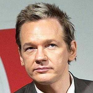 Julian Assange quiere que su nombre sea una marca registrada
