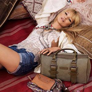 Kate Moss se va de viaje con Longchamp en una nueva campaña de la firma