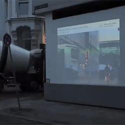Mercedes-Benz ve a través de las paredes en una sorprendente campaña publicitaria