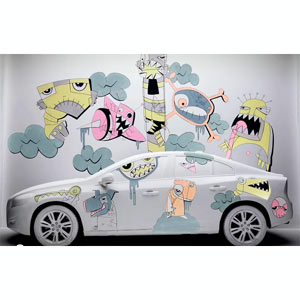 Volvo convierte el modelo S60 en un lienzo en blanco para artistas callejeros