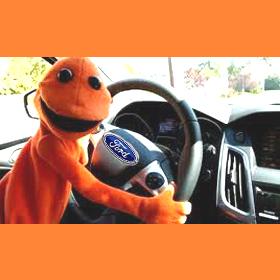Doug, la mascota de Ford que está arrasando en los social media