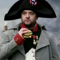 McDonald's cuenta la verdadera historia de Napoleón y la Mona Lisa en una nueva campaña publicitaria