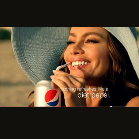 Pepsi Light estrena spot junto a Sofía Vergara y David Beckham