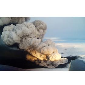 El volcán Grímsvötn dispara las ventas en Islandia con sus