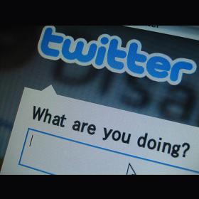 El abuelo más famoso del momento confunde el uso de Twitter con el de Google