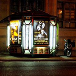 En la ciudad de la luz se apagan los neones de la publicidad exterior