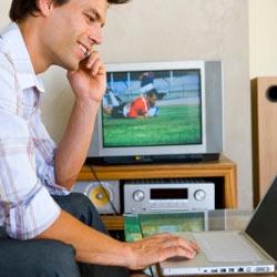 Una tercera parte de los espectadores realiza otras actividades mientras ve la televisión