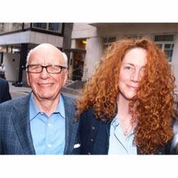 Murdoch pide perdón públicamente, pero ello no evita la detención de su mano derecha Rebekah Brooks