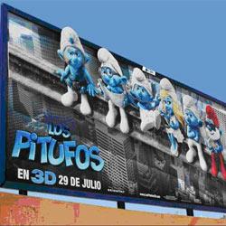 """""""Los Pitufos"""" cobran vida en las vallas con el circuito Xtra de CBS Outdoor"""