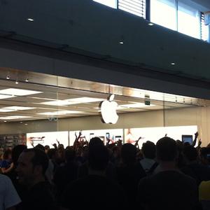 Apple inaugura su tercera tienda en España