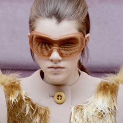 Prada, en el ojo del huracán por utilizar modelos adolescentes en su nueva campaña publicitaria