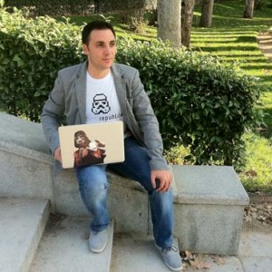 Ismael El-Qudsi crea la agencia Internet República