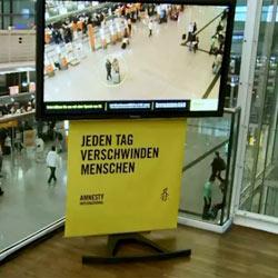 Amnistía Internacional lanza una campaña de marketing de guerrilla en la que la gente literalmente desaparece