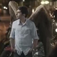 Un joven renuncia a sus alas en un spot de Volkswagen Jetta