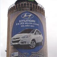 Hyundai presenta la lona más grande de España en la principal arteria de Madrid con su modelo ix35, mejor coche del año 2011