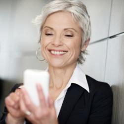 El iPhone es cada vez más popular entre mujeres, ricos y mayores