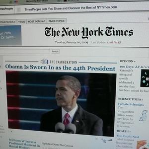 Los ingresos de The New York Times Co. descienden pese al impulso de las suscripciones online