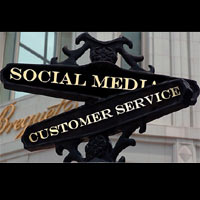 Las marcas de lujo acortan distancias con el consumidor a través de las redes sociales