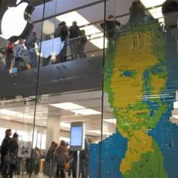 Una Apple Store homenajea a Steve Jobs con un retrato confeccionado con más de 4.000 post-its