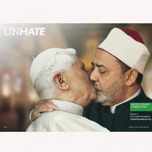 Benetton recula y retira la imagen del Papa: ¿es rentable la publicidad provocativa?