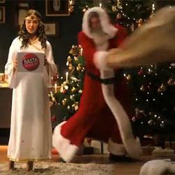 Retiran una campaña en la que Papá Noel y el Niño Jesús se pegan una paliza