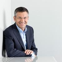 Herbert Hainer (Adidas) cree que su industria es más resistente a la crisis