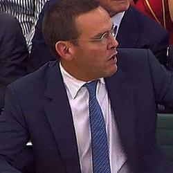 James Murdoch alega que era sábado para desentenderse del e-mail que le implica en las escuchas ilegales