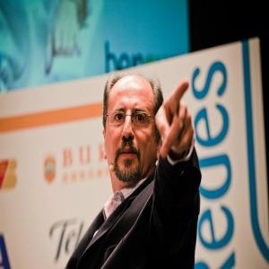 Primera jornada de #iRedes: más de 300 asistentes escuchan los debates sobre las redes sociales