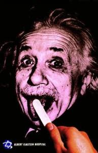 20 anuncios inspirados en Albert Einstein: publicidad con mucho