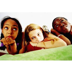Cada vez más adolescentes consideran que internet es un medio más entretenido e informativo que la TV