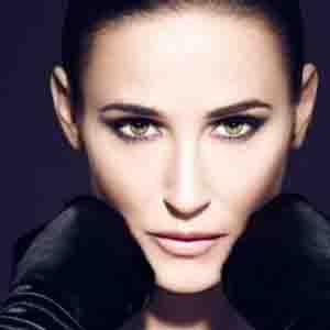Demi Moore desata la polémica por abuso de Photoshop en su última campaña para Helena Rubinstein