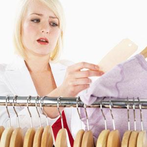 Los consumidores de marcas de lujo miran ahora más el precio