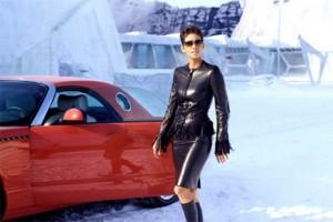 El agente 007 celebra sus bodas de oro con el product placement